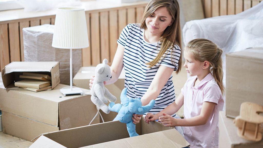 10 Tips for Moving with Children